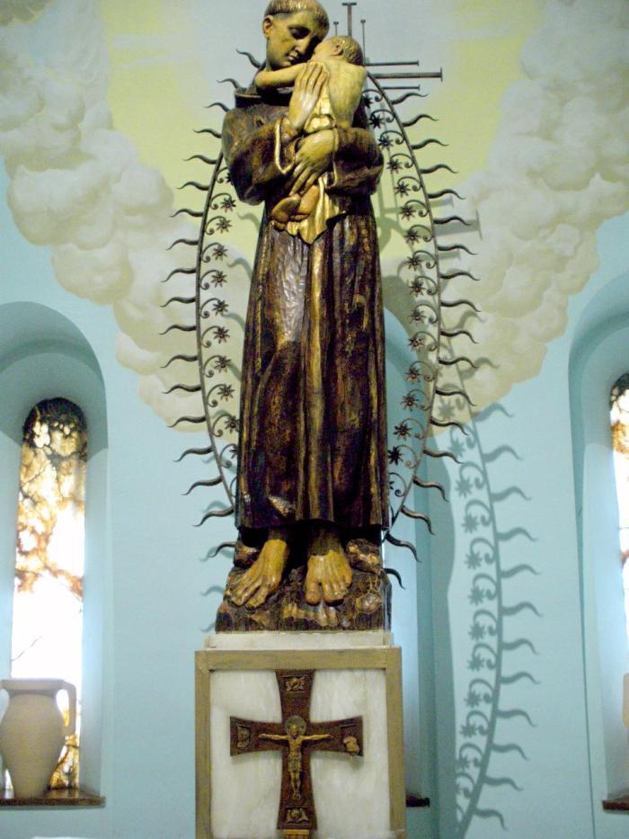 Zaragoza_-_Iglesia_de_San_Antonio_de_Padua_11